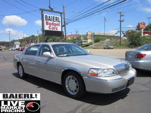 2007 lincoln town car signature l data info and specs. Black Bedroom Furniture Sets. Home Design Ideas