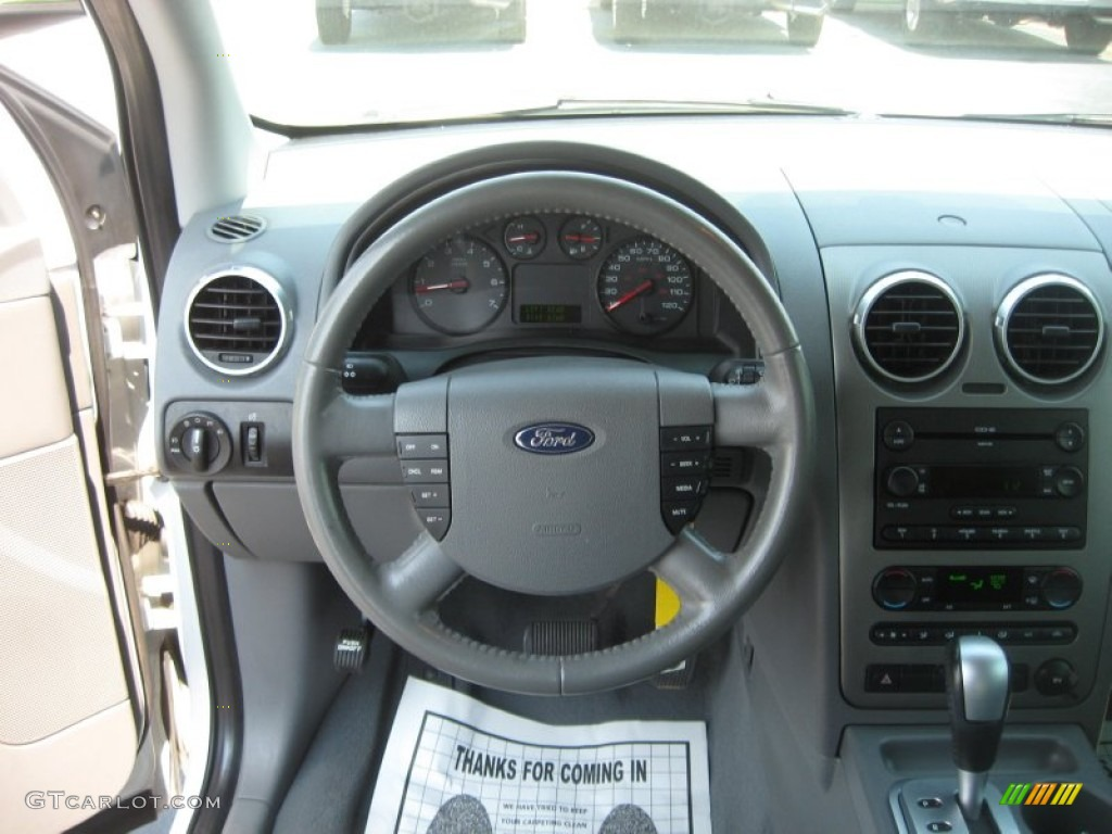 2006 Ford Freestyle Sel Pebble Beige Dashboard Photo 50539501