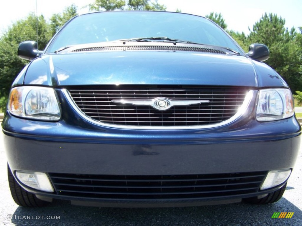 midnight blue pearlcoat 2004 chrysler town country limited exterior photo 50561482. Black Bedroom Furniture Sets. Home Design Ideas