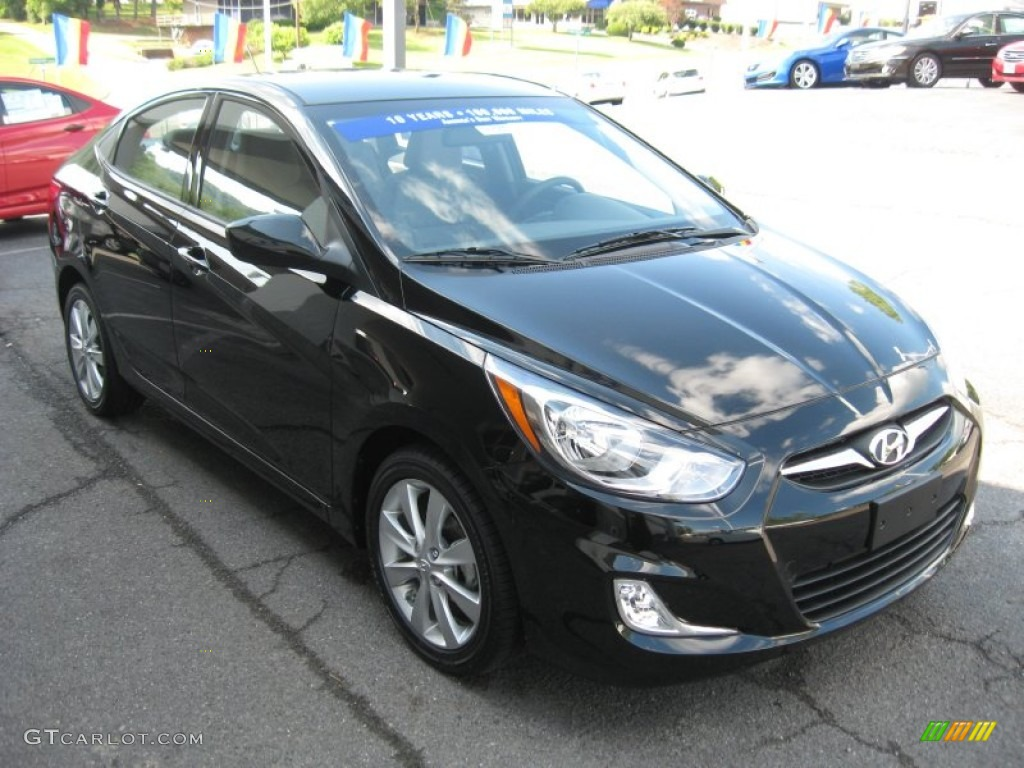 Ultra Black 2012 Hyundai Accent Gls 4 Door Exterior Photo