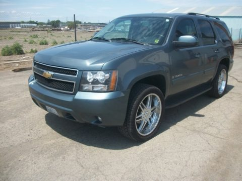 2004 Chevrolet Tahoe LT Data, Info and Specs