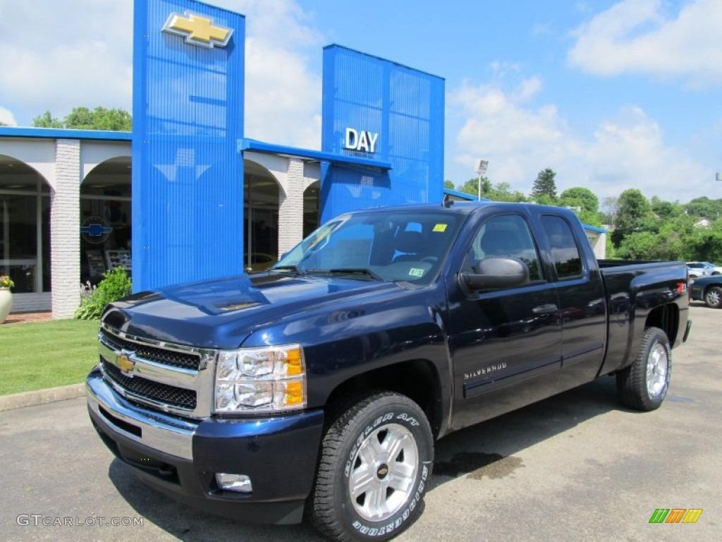 2011 Silverado 1500 LT Extended Cab 4x4 - Imperial Blue Metallic / Ebony photo #1