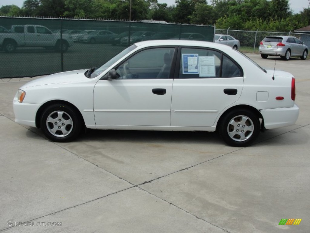 Noble White 2002 Hyundai Accent Gl Sedan Exterior Photo 50705315 Gtcarlot Com