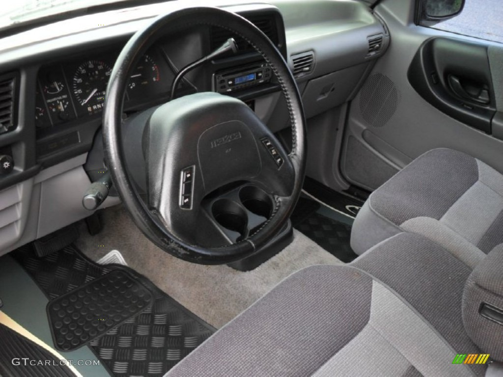 Gray interior 1994 mazda b series truck b4000 le extended