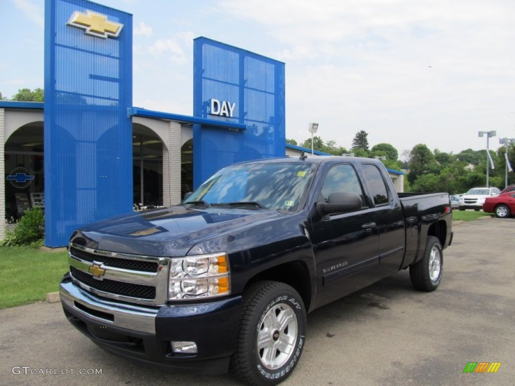 Imperial Blue Metallic Chevrolet Silverado 1500