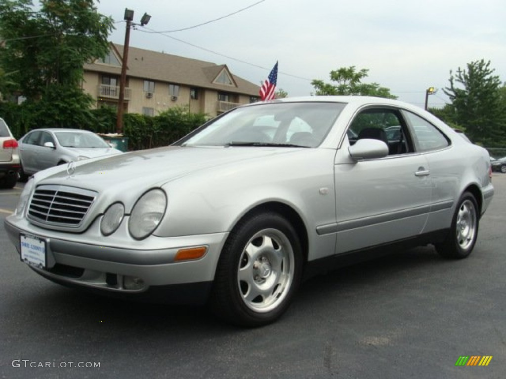 brilliant silver metallic 1999 mercedes benz clk 320 coupe
