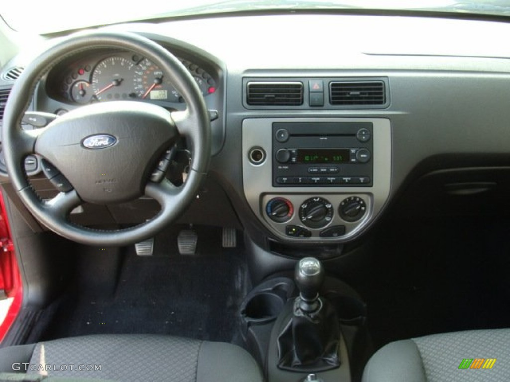 2006 ford focus zx3 se hatchback dashboard photos