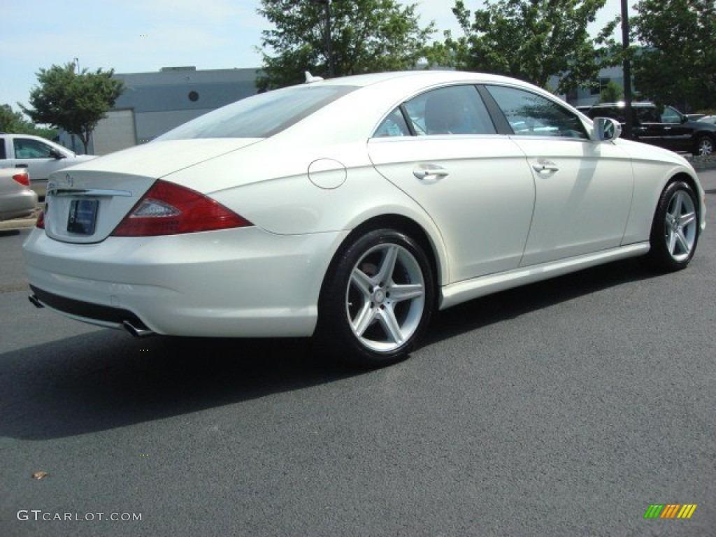 Diamond white metallic 2011 mercedes benz cls 550 exterior for Mercedes benz white paint
