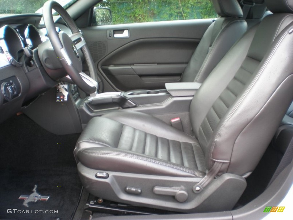 Dark Charcoal Interior 2006 Ford Mustang GT Premium Coupe Photo #50955309