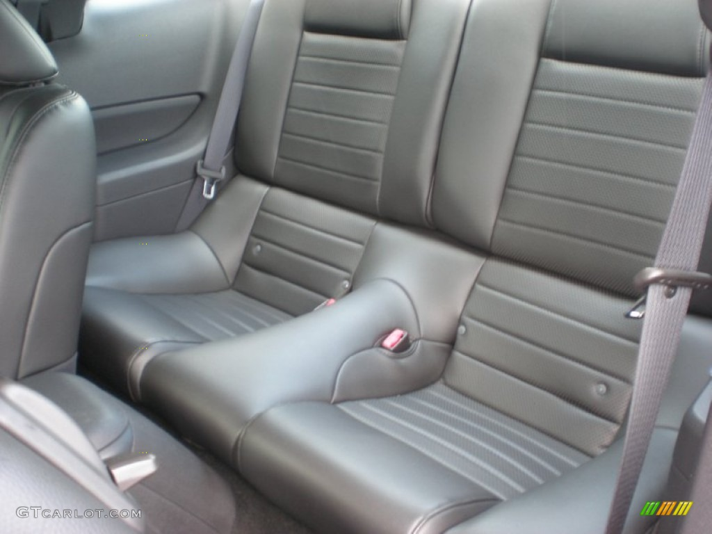 Dark Charcoal Interior 2006 Ford Mustang GT Premium Coupe Photo #50955321