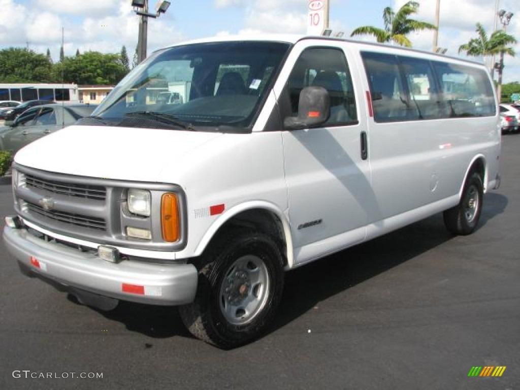 White 2001 chevrolet express 3500 ls extended passenger van exterior photo 50986005 gtcarlot com