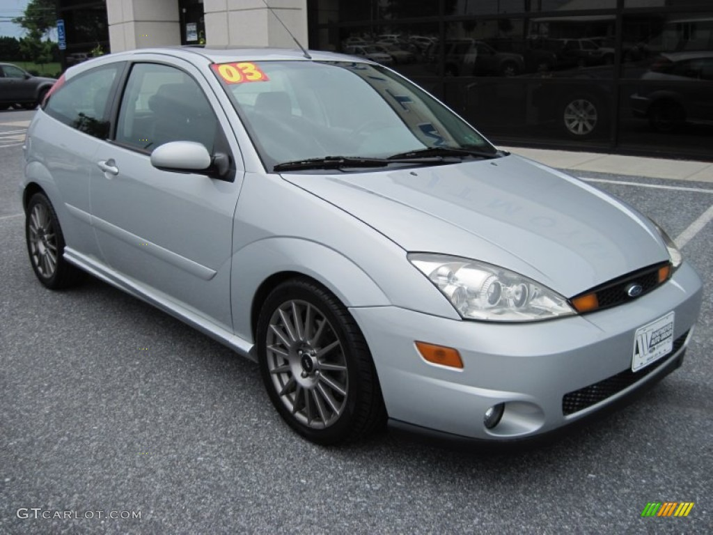 cd silver metallic 2003 ford focus svt hatchback exterior. Black Bedroom Furniture Sets. Home Design Ideas
