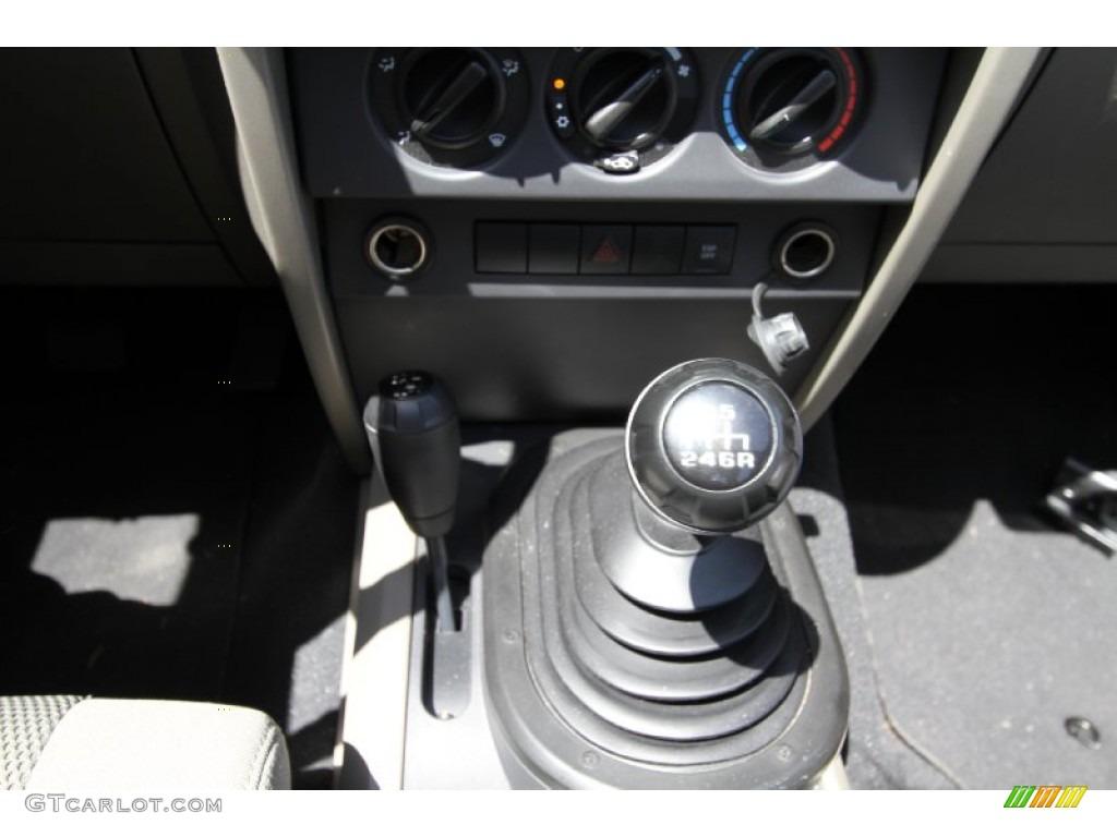 2007 jeep wrangler sahara 4x4 6 speed manual transmission. Black Bedroom Furniture Sets. Home Design Ideas
