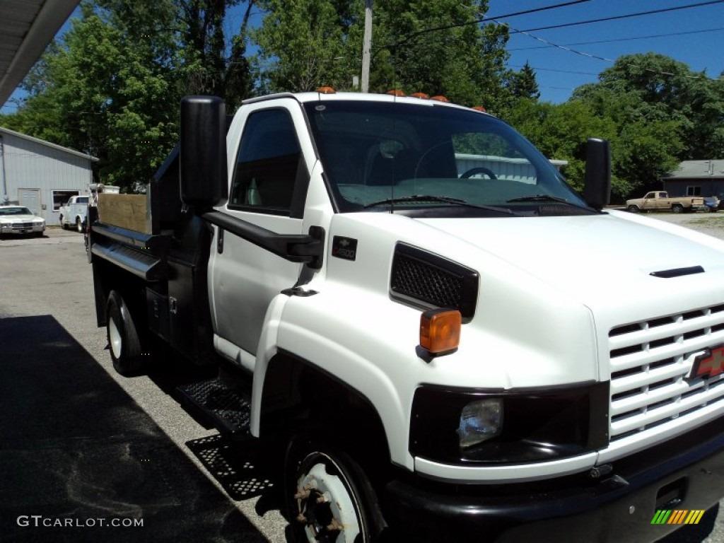 2004 C Series Kodiak C4500 Regular Cab Dump Truck - Summit White / Gray photo #4