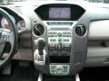 Gray Controls Photo for 2011 Honda Pilot #51125127