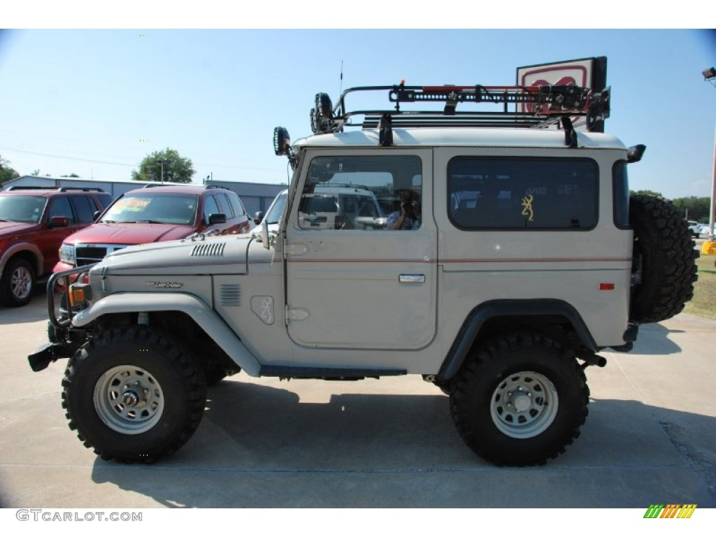 beige 1976 toyota land cruiser fj40 exterior photo. Black Bedroom Furniture Sets. Home Design Ideas