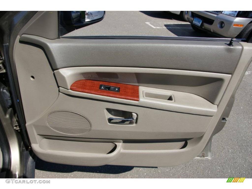 2006 Jeep Grand Cherokee Limited 4x4 Khaki Door Panel Photo 51232412