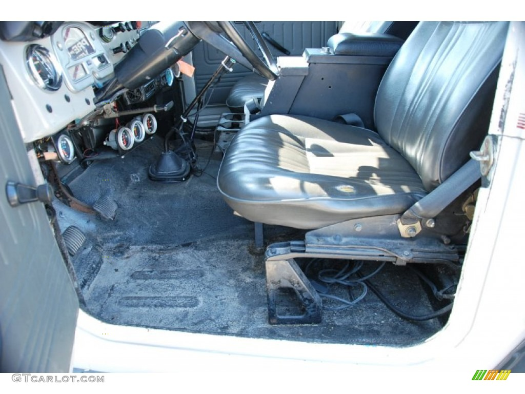 1976 Toyota Land Cruiser on 1976 Toyota Land Cruiser Fj40 Interior Photo  51232553   Gtcarlot Com