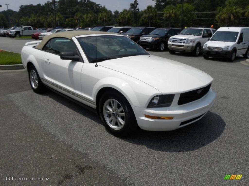 2006 Mustang V6 Premium Convertible - Performance White / Light Parchment photo #1