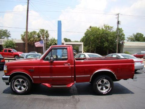 1996 Ford F150 XLT Regular Cab Data, Info and Specs