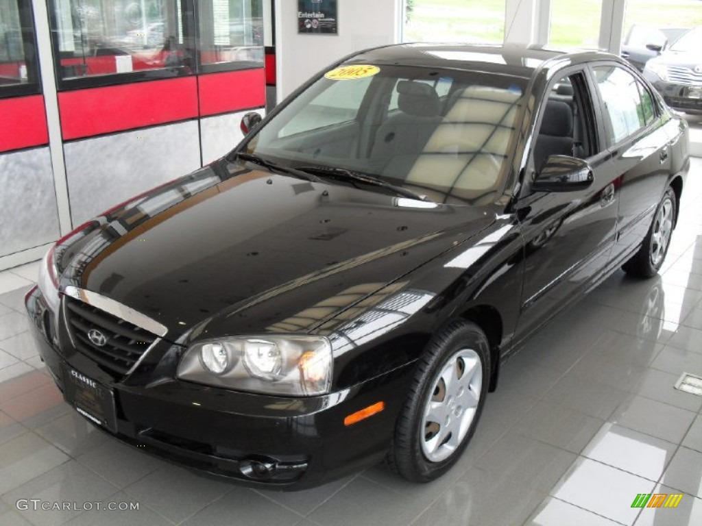2005 black obsidian hyundai elantra gls sedan 51242298. Black Bedroom Furniture Sets. Home Design Ideas