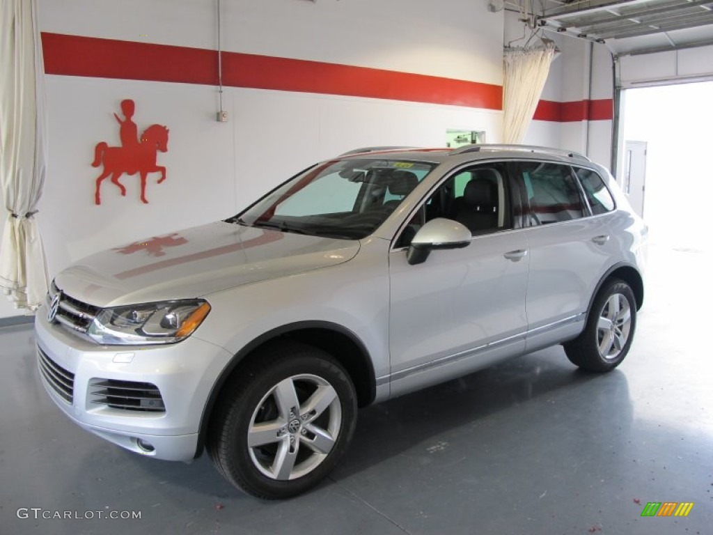 2011 Cool Silver Metallic Volkswagen Touareg Tdi Lux 4xmotion 51287535 Gtcarlot Com Car Color Galleries