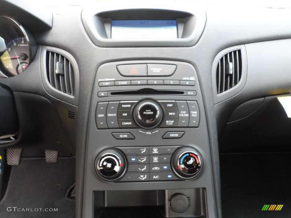 2011 Hyundai Genesis Coupe 2 0t R Spec Controls Photo
