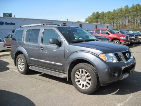 2010 nissan pathfinder le 4x4 data info and specs. Black Bedroom Furniture Sets. Home Design Ideas