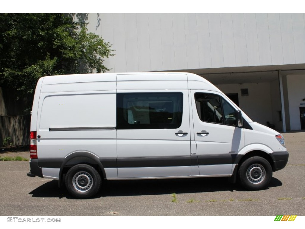 Arctic white 2011 mercedes benz sprinter 2500 high roof for Mercedes benz 2500 cargo van