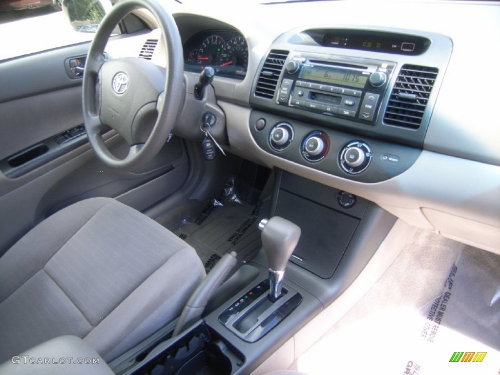 Taupe interior 2005 toyota camry le v6 photo 51372080