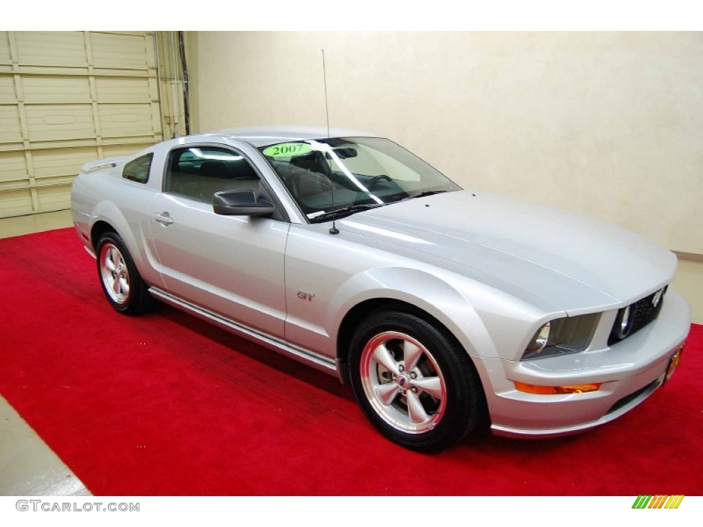 2007 Mustang GT Coupe - Satin Silver Metallic / Dark Charcoal photo #1