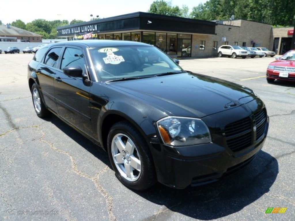 brilliant black crystal pearl 2005 dodge magnum sxt awd. Black Bedroom Furniture Sets. Home Design Ideas