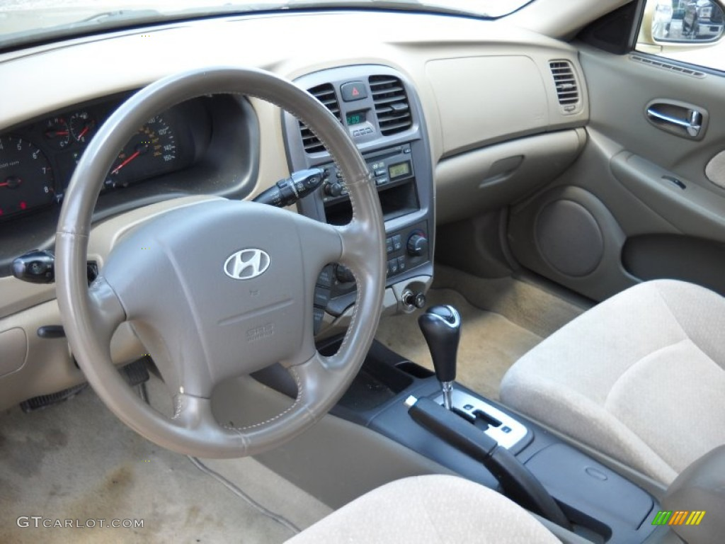 Beige Interior 2004 Hyundai Sonata V6 Photo 51390837