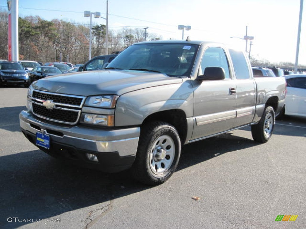 2006 Silverado 1500 LT Extended Cab 4x4 - Graystone Metallic / Dark Charcoal photo #1