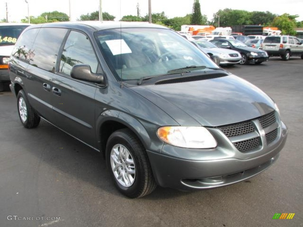 Great 2002 Grand Caravan Sport   Onyx Green Pearl / Taupe Photo #1