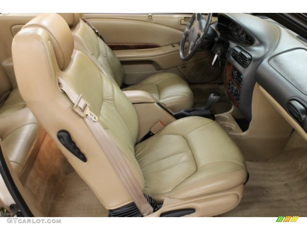 on 2007 Chrysler Sebring Interior