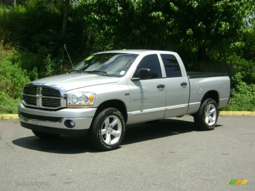 2006 Ram 1500 ST Quad Cab 4x4 - Bright Silver Metallic / Medium Slate Gray photo #1
