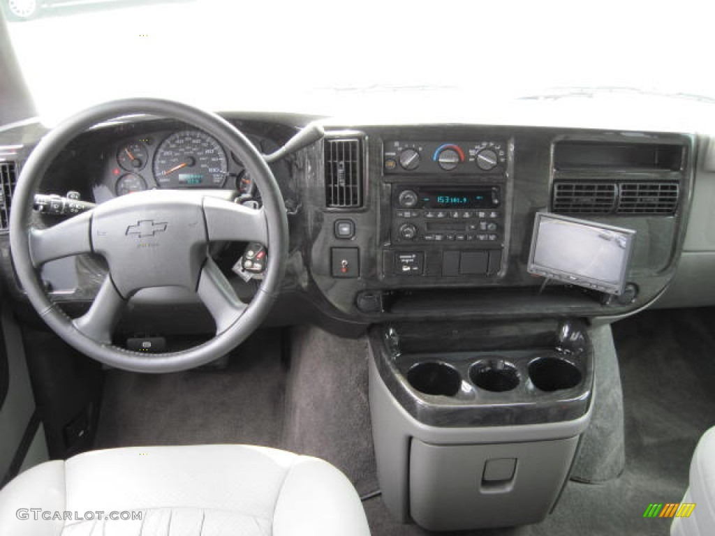 Chevrolet Express 3500 Autos Post