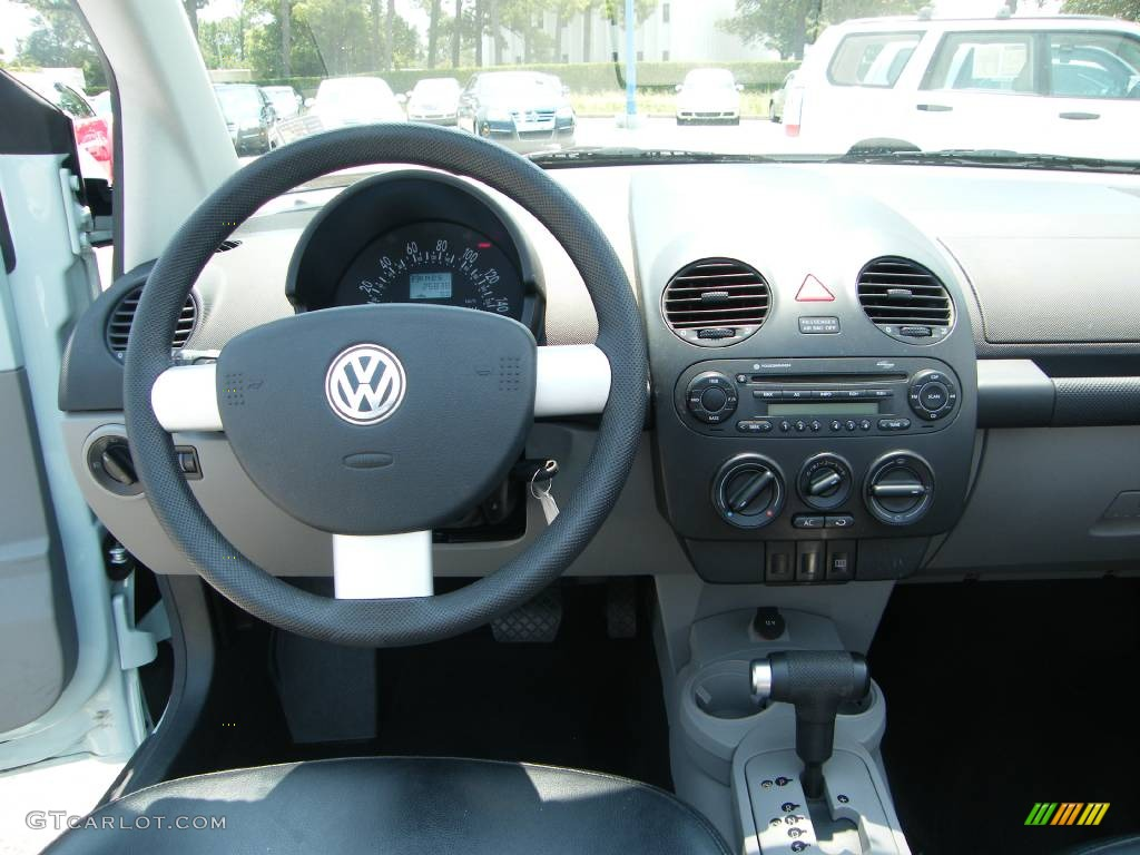 2004 aquarius blue volkswagen new beetle gls convertible. Black Bedroom Furniture Sets. Home Design Ideas