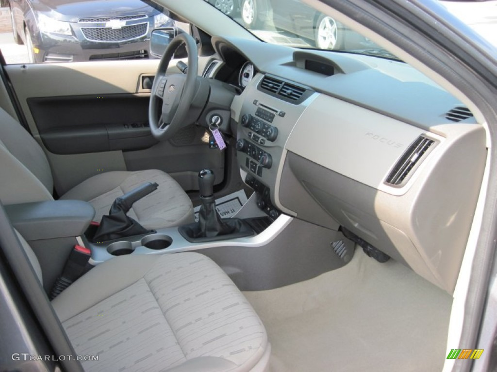 Charcoal Black Interior 2009 Ford Focus Se Sedan Photo 51708262