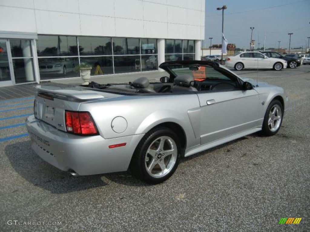 Silver metallic 2004 ford mustang gt convertible exterior photo
