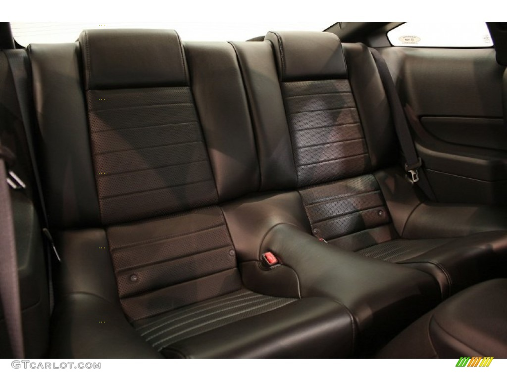 Dark Charcoal Interior 2006 Ford Mustang GT Premium Coupe Photo #51759070