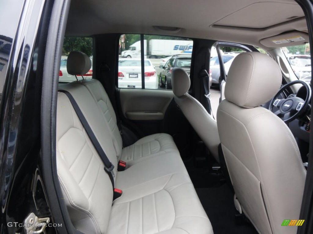 2004 Jeep Liberty Limited 4x4 Interior Photo 51772159