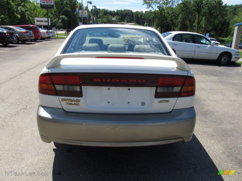 2002 white frost pearl subaru outback limited sedan 51776820 2002 outback limited sedan white frost pearl beige photo 3 vanachro Images