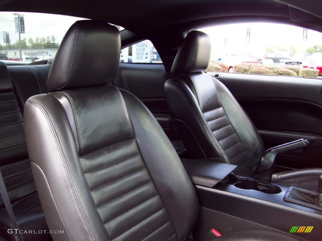 Dark Charcoal Interior 2006 Ford Mustang GT Premium Coupe Photo #51785939