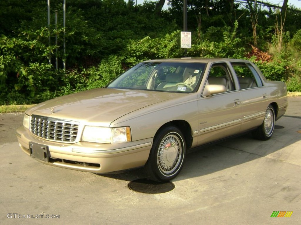 Gold Fire Mist Metallic 1998 Cadillac Deville Sedan