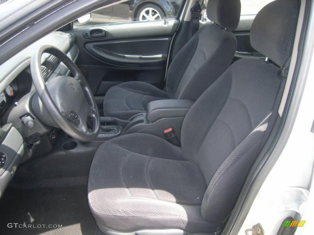 2004 dodge stratus interior