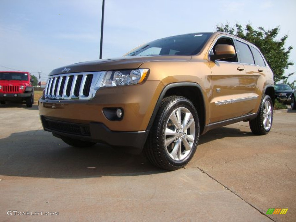 51809419 - 2011 Jeep Grand Cherokee Laredo X 70th Anniversary 5 7l 4x4