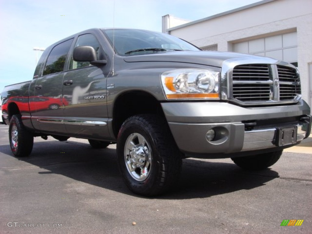 2006 Ram 1500 Laramie Mega Cab 4x4 - Mineral Gray Metallic / Medium Slate Gray photo #1