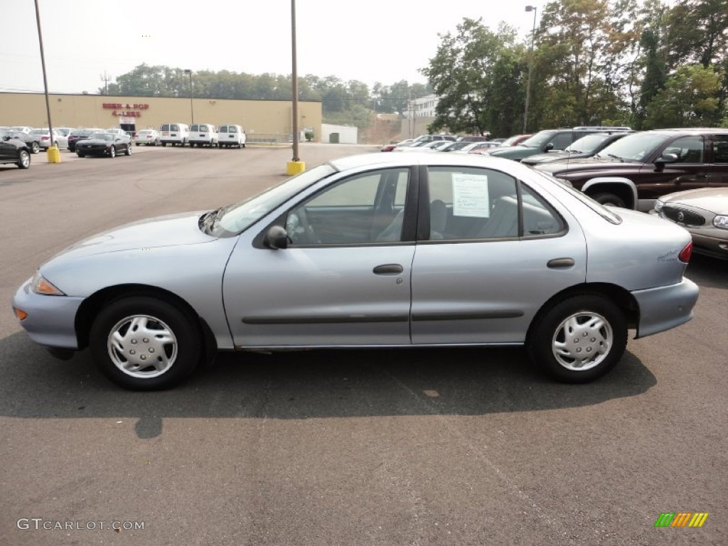 Silver metallic 1995 chevrolet cavalier sedan exterior photo 51870598